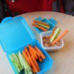 Μπαστουνάκια λαχανικών με κόκκινο χούμους 5 mamameli